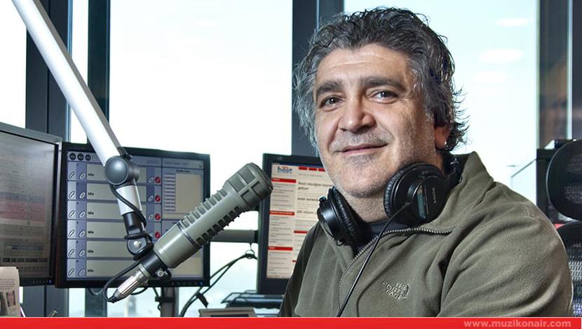 Radyocu Cem Arslan'ın Mikrofon Dışında da Renkli Olduğunu Kanıtlayan 15 Paylaşımı