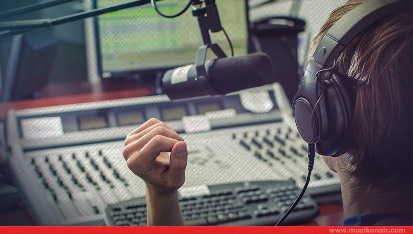 Kadın Radyo Programcısı Aranıyor