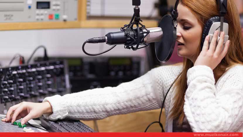 Ankara'da İkamet Eden Kadın Radyocu Aranıyor!..