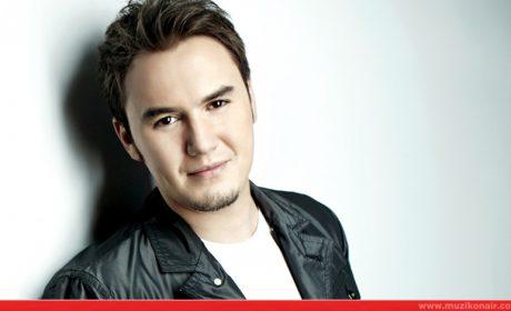 Mustafa Ceceli'nin Son Albümünün Afiş ve Billboard Paralarını Kim Ödedi?
