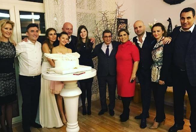 Gezegen Mehmet Ruh Eşi İle Evlendi!..