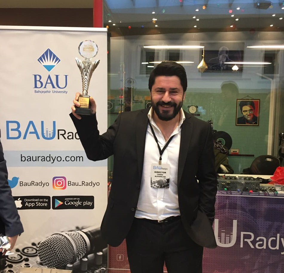 Radyo Bau Yılın En İyi Üniversite Radyosu Seçildi !