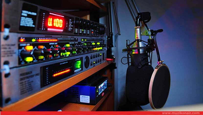 Radyo Canlı Yayınında Akıl Almaz Dolandırıcılık!..
