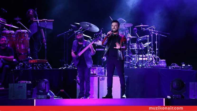 Tarkan Yeni Şarkılarıyla Bakü'de Konser Verdi!..