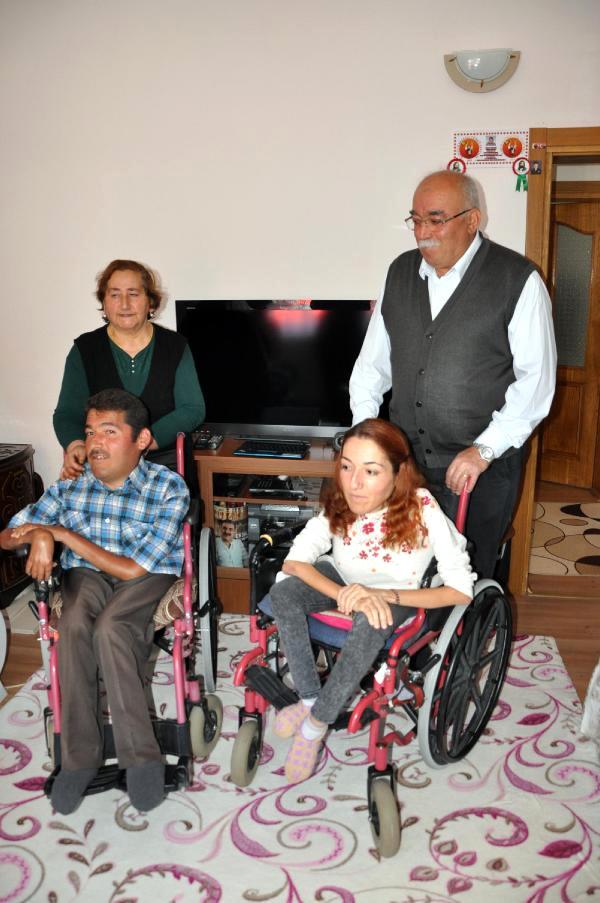 Engelli Kardeşler 12 Yıldır Radyo Yayınıyla Seslerini Duyuruyor!..