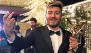 Youtube Fenomeninden Altın Kelebek Ödüllerine Tepki!..