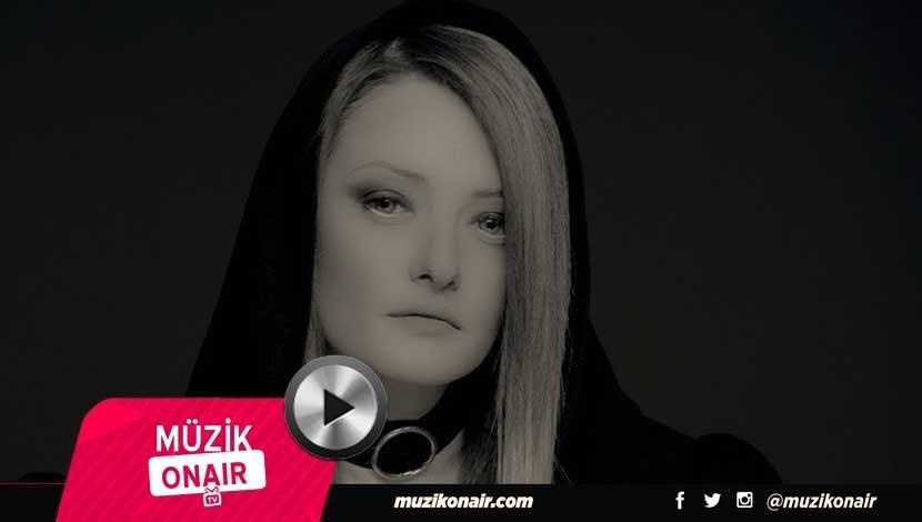 Ece Toprak feat. Selda Bağcan- Yalan Dünya Kliplendi