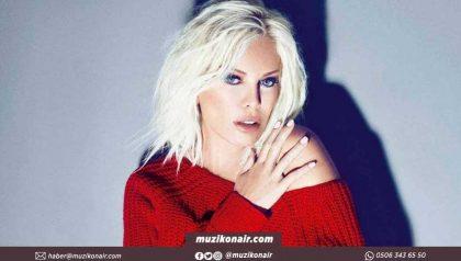 Ajda Pekkan'ın 50 Bin Liralık Sahne Kıyafeti Dikkat Çekti